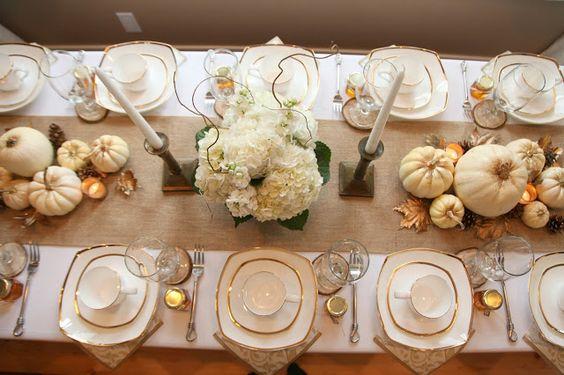vintage thanksgiving table.jpg