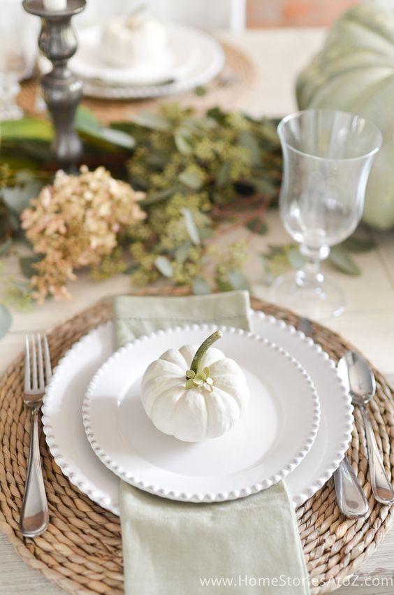 harvest table setting.jpg