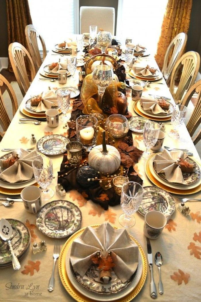 thanksgiving harvest table.jpg