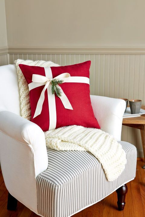 red Christmas pillow.jpg