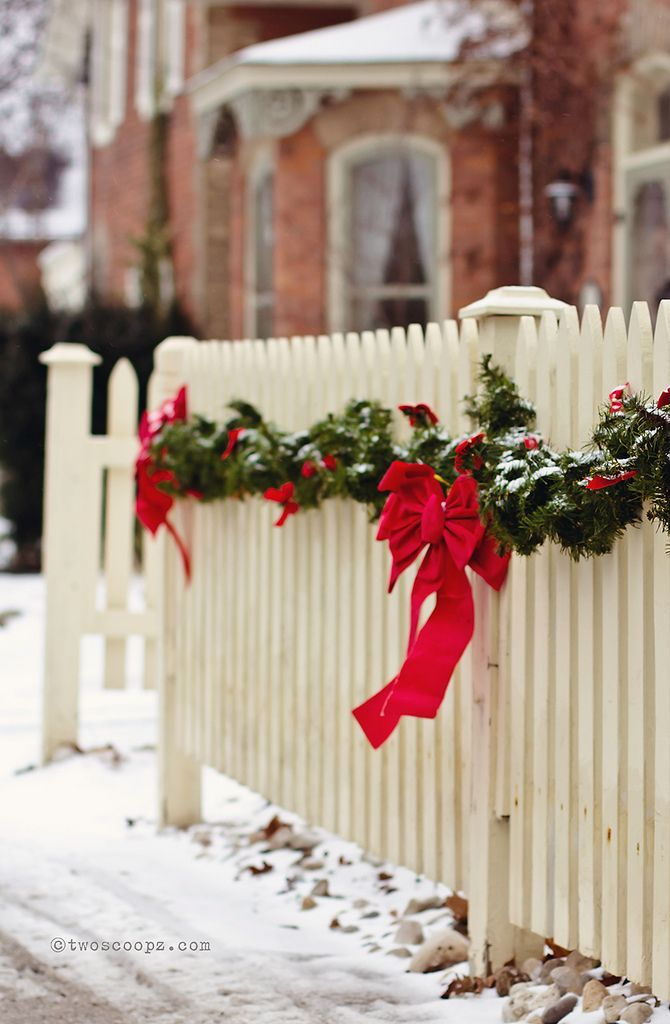 Christmas fence garland.jpg