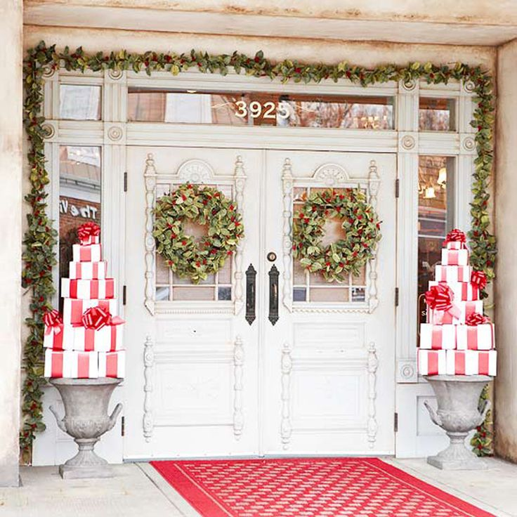 Christmas front door wreath.jpg