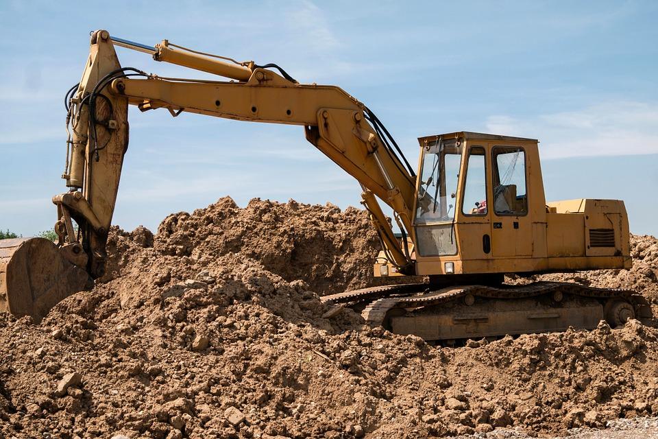 excavators-800996_960_720.jpg