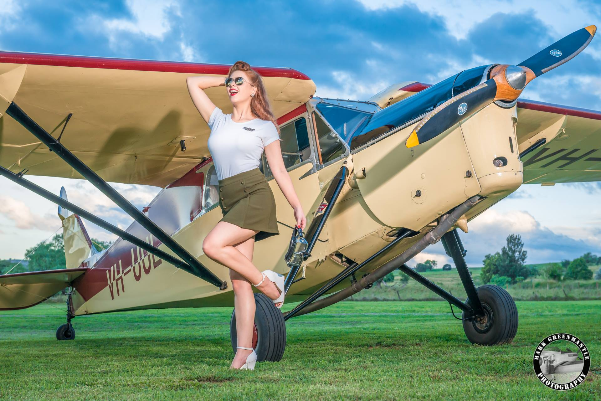 Kelly The Flying Pinup - Photographer Mark Greenmantle 3.jpg