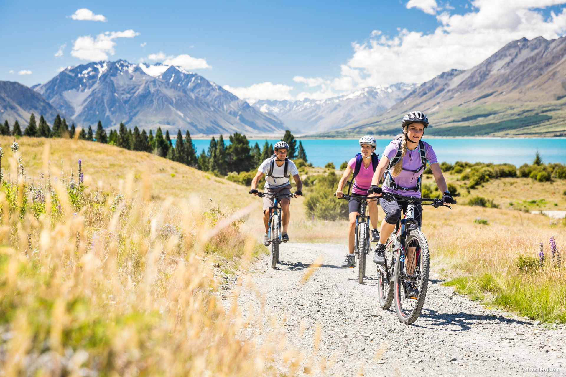 Cyclists on the A2O at Lake Ohau. Photo Tourism NZ.