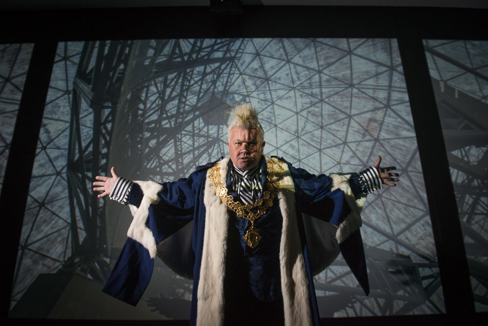 Darryn Lyons as Mayor of Geelong