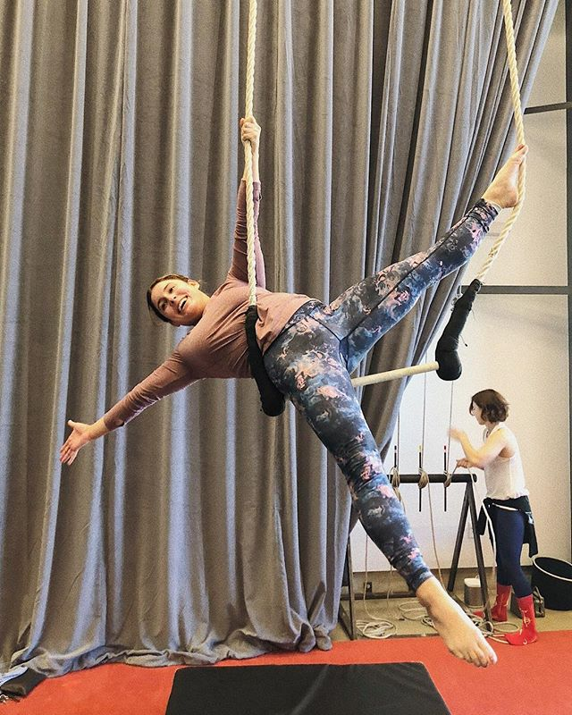 Ex-gymnast joins the circus. 🎪 #aerialsilks