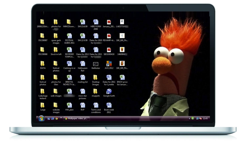 messy desktop.png