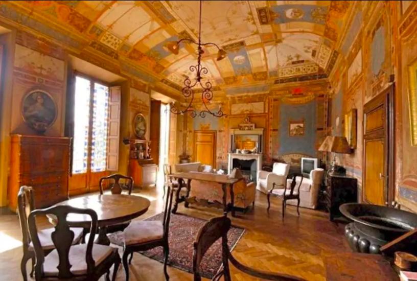 Villa Domme interior.png