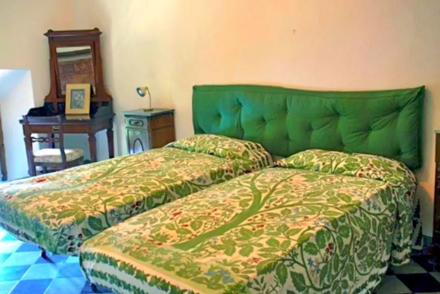 Villa Domme twin room