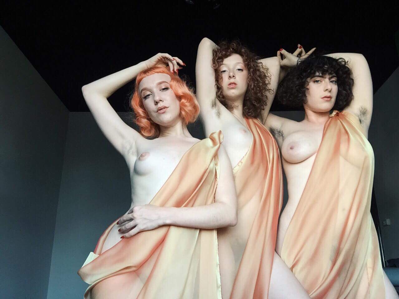 Three graces performing at Passionfruit for my quršu ritual.