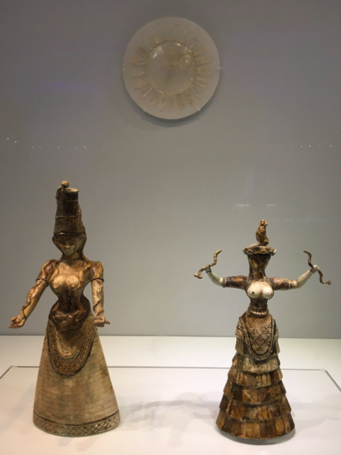 Minoan priestesses or Goddesses with snakes