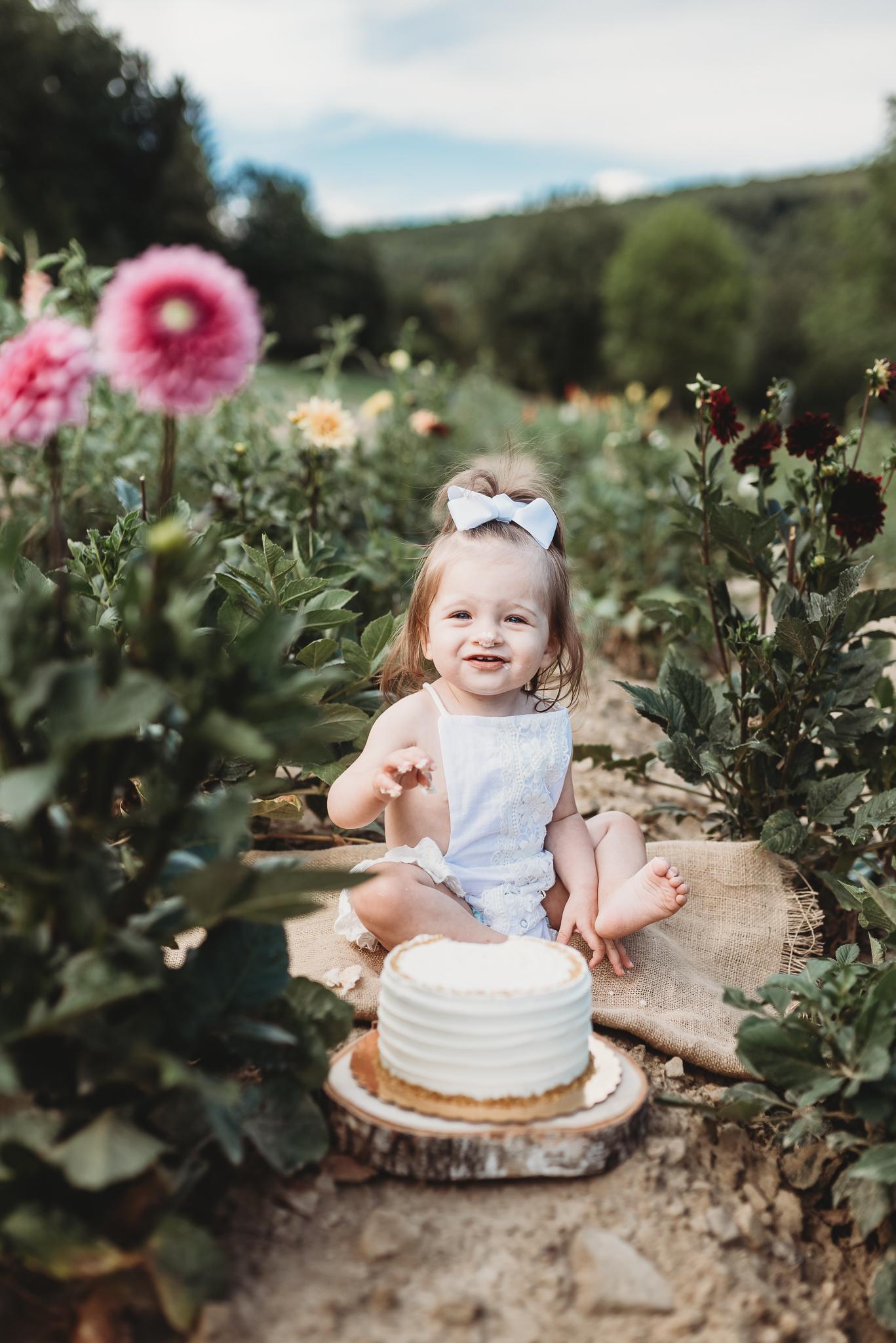 Harper Cake Smash-8.jpg