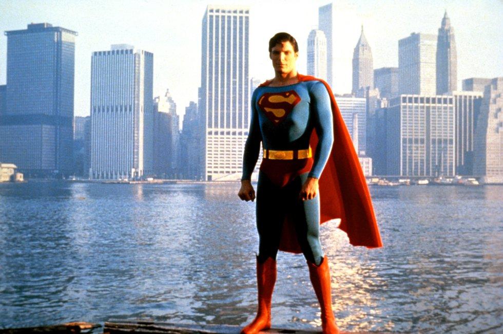 Emblematico traje de Superman