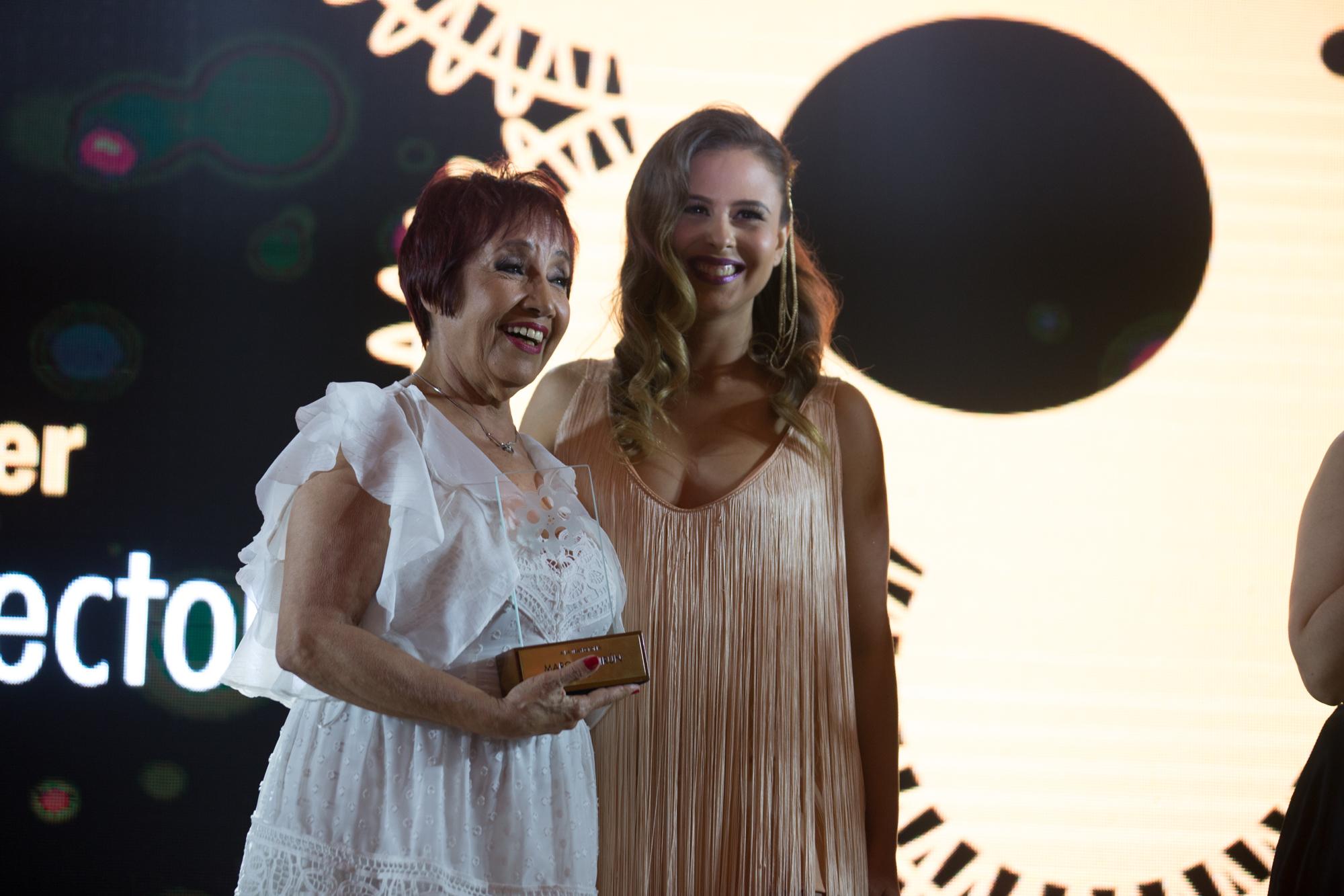 Margarita Irún acompañada de Andrea Quatrocchi quien fue su alumna desde los 5 años de edad.
