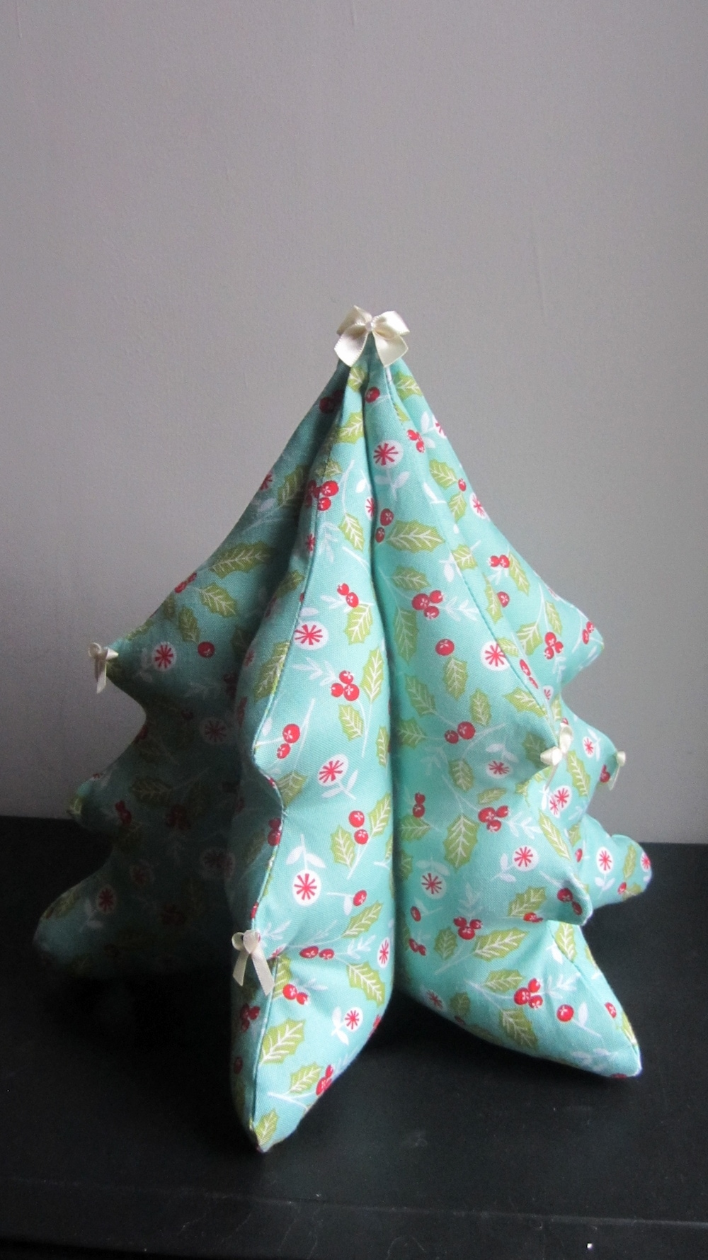 Sewaholic Stanley Christmas tree 3.jpg