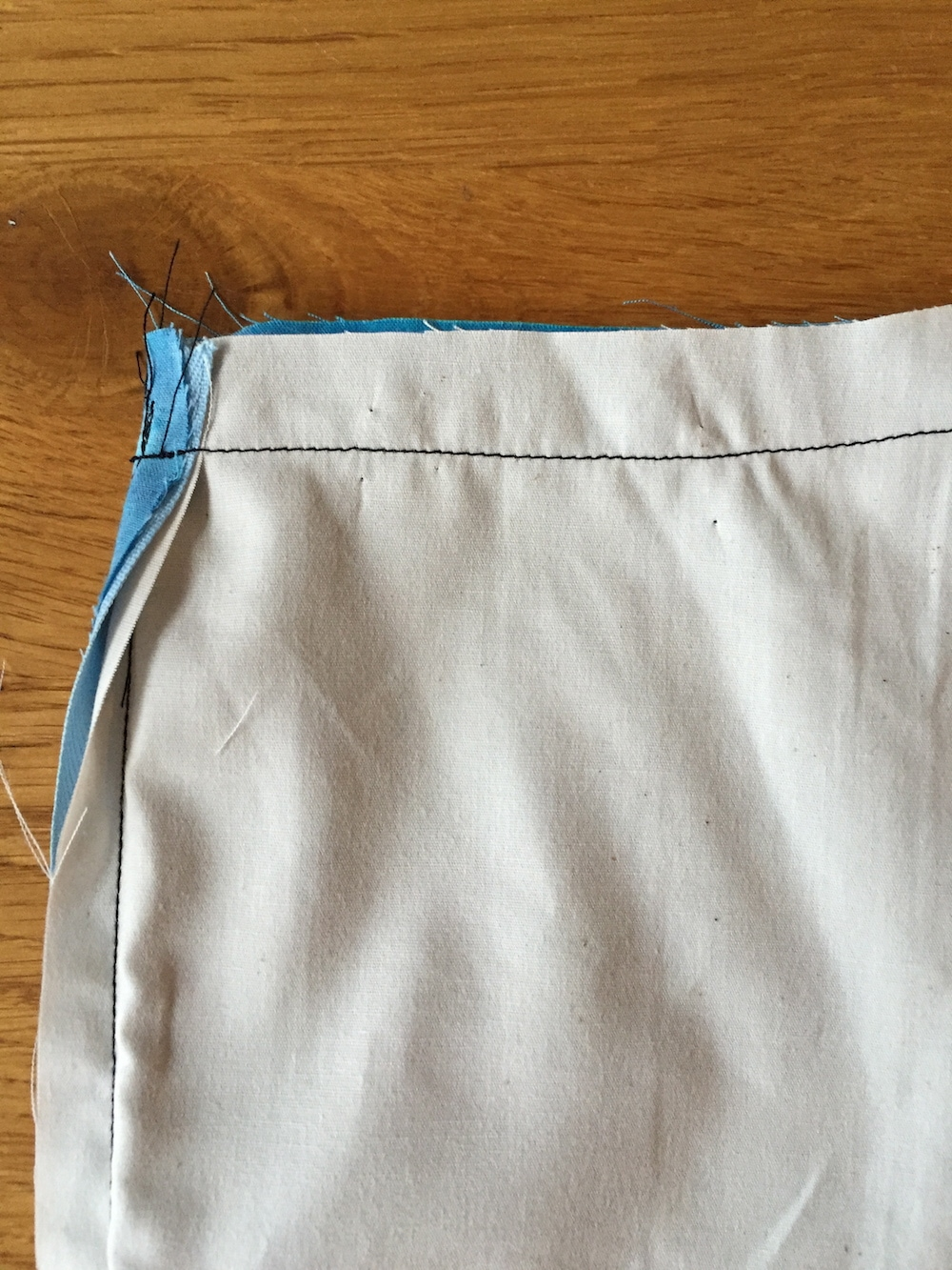 How to sew an invisible zip with a lining tutorial 5.jpg