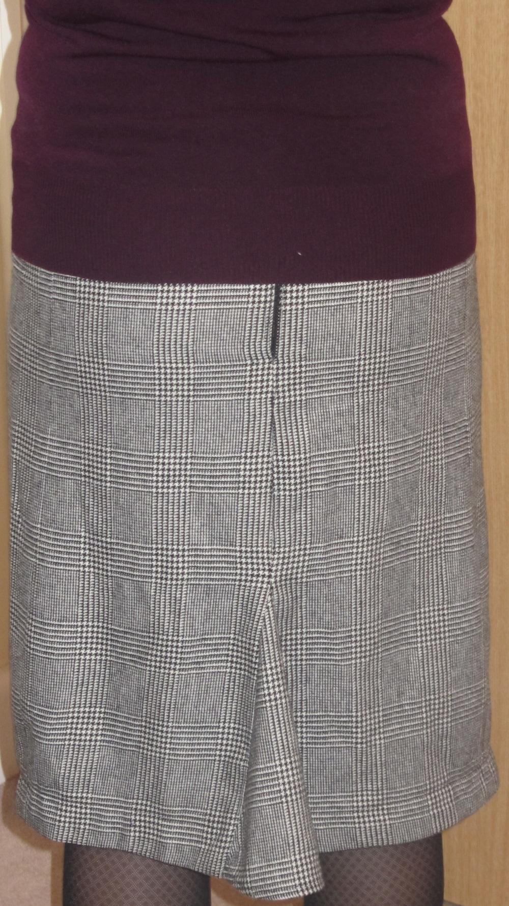 Hot Patterns Deco Vibe Skinny Skirt 3.jpg