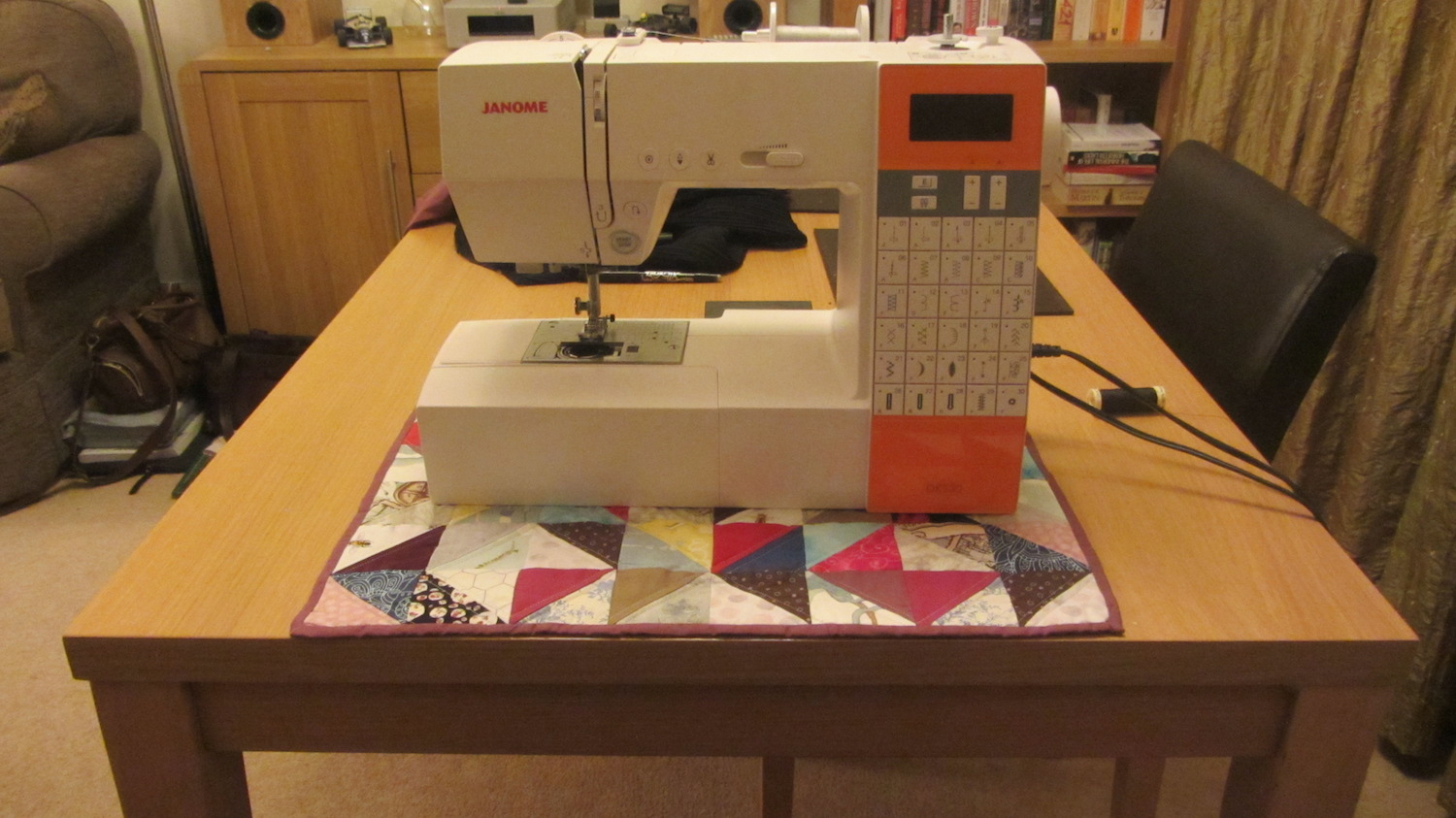 Quilted sewing machine mat.JPG