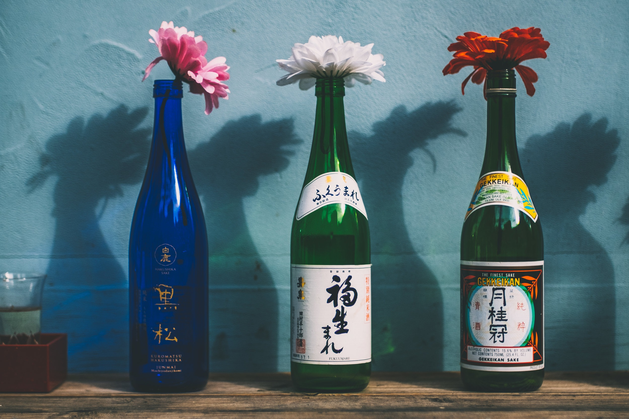 LESS IS MORE UNWINE WITH SAKE - Only Natural IngredientsNo Preservatives - No Tannins - No Sulfites - Low Acidity