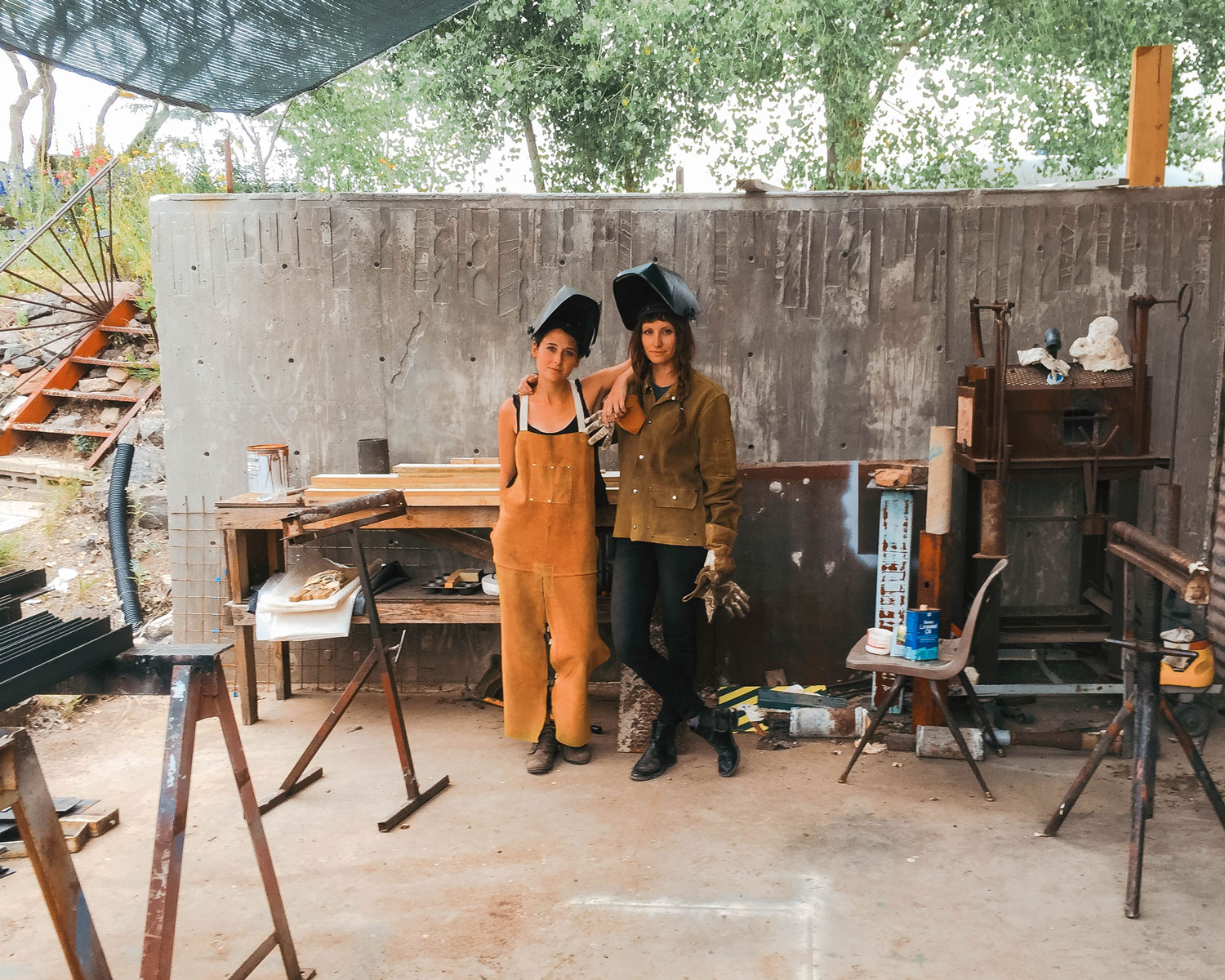 A day in the life of the Arcosanti welding studio