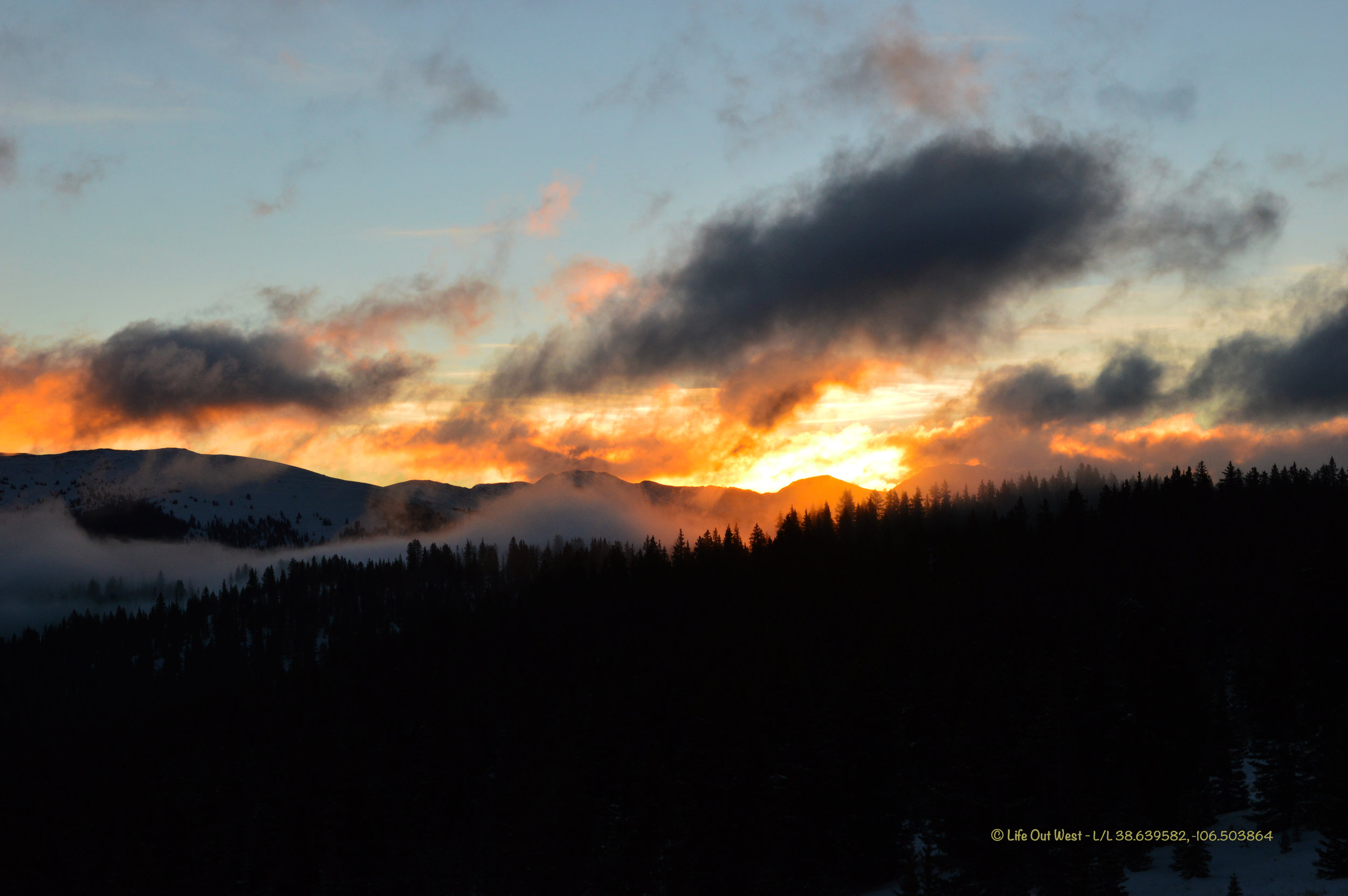 SM_Sunrise Above Pitkin.jpg