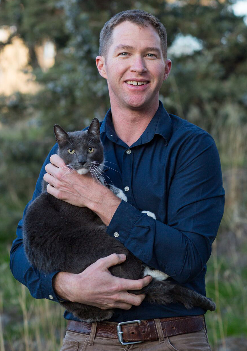 Dr. Alan P. Kelley - OwnerDVM, Washington State UniversityDr. Kelley was born in Lincoln Nebraska. He is a lifelong animal lover. His mother Twyla taught him how to care for all of the family pets over the years, helping several through illnesses. He credits her compassionate nature as a pediatric ICU nurse for his desire to engage in animal medicine.After High School, Dr. Kelley followed the lead of his father John (Vietnam Veteran) and grandfather Everett (WWII Veteran), enlisting in the US Marines. He felt lucky to be stationed with 1st Radio Battalion in Kaneohe Bay, Hawaii. After 9/11, He deployed in support of Operation Iraqi Freedom for a year. Upon being honorably discharged in 2003 he began pursuing a career in veterinary medicine.Dr. Kelley is a board member of the Central Oregon Veterinary Medical Association and volunteers with organizations such as Bend Spay and neuter Project..Around Bend, you might catch Dr. Kelley playing beach volleyball down at the Old Mill, competing in regional triathlons, riding Phil's or carving some back country lines.Dr. Kelley sincerely enjoys meeting pet owners and helping them positively engage in their animal's care.