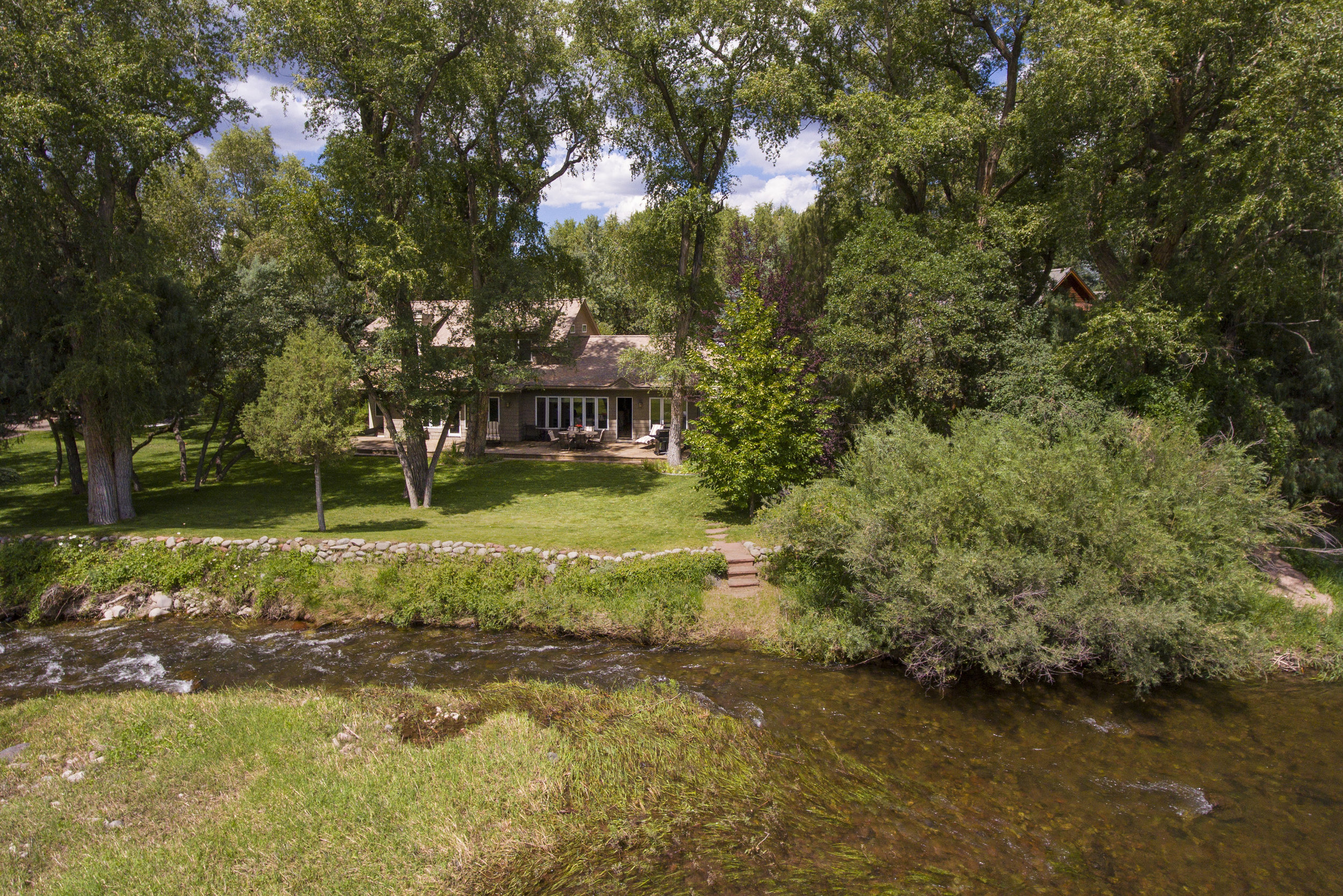 130 River Oaks Lane -