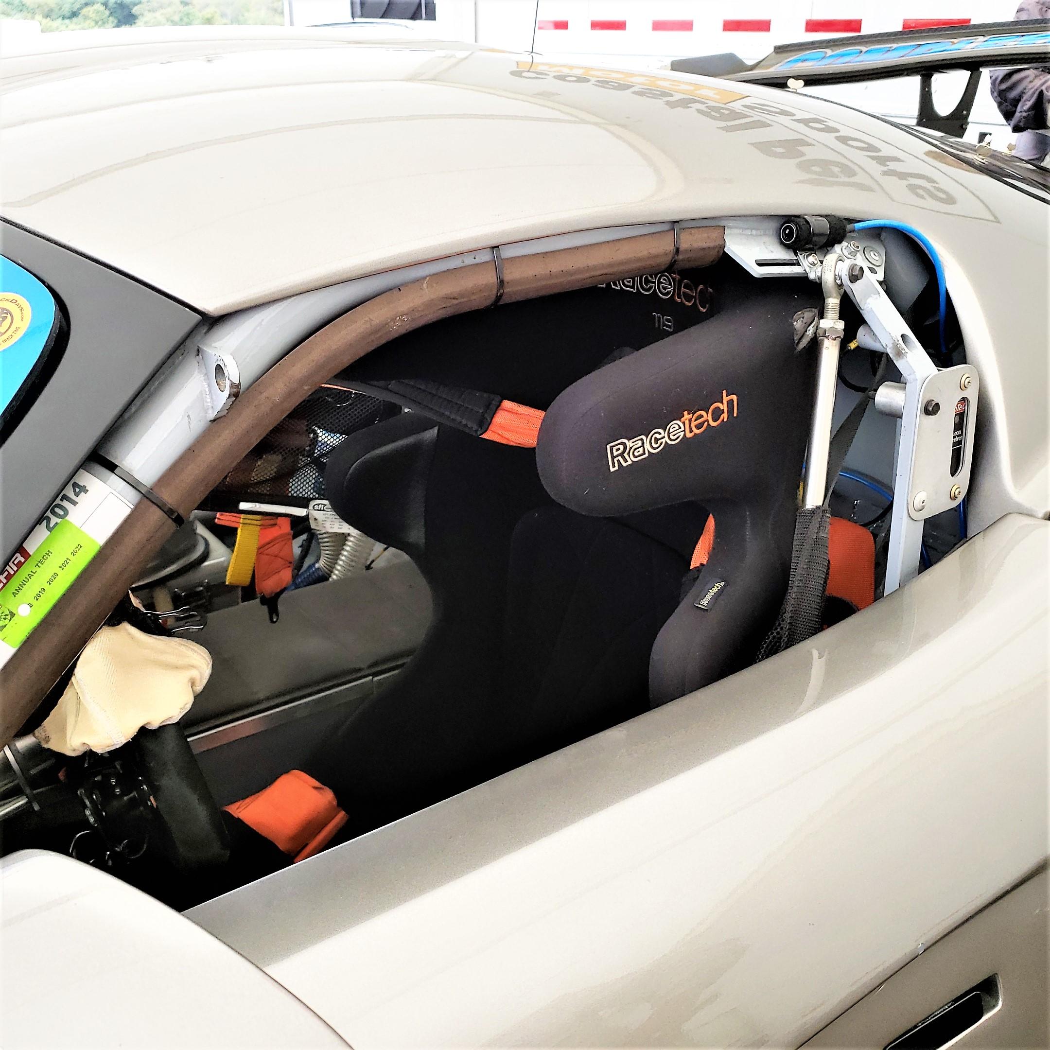 jim staut viper racetech seat 1.jpg