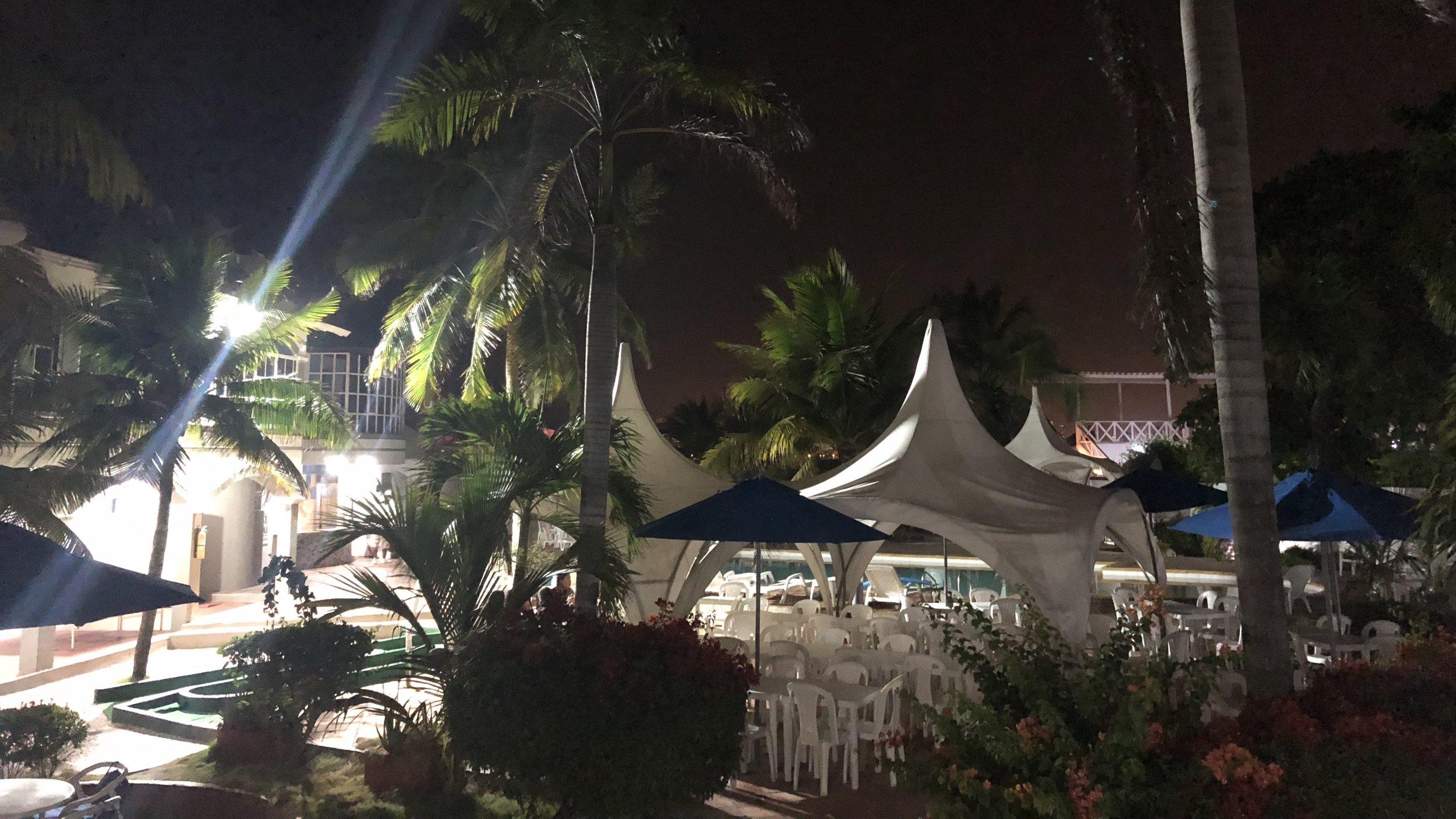 Hotel Tropical Inn pool area.jpg