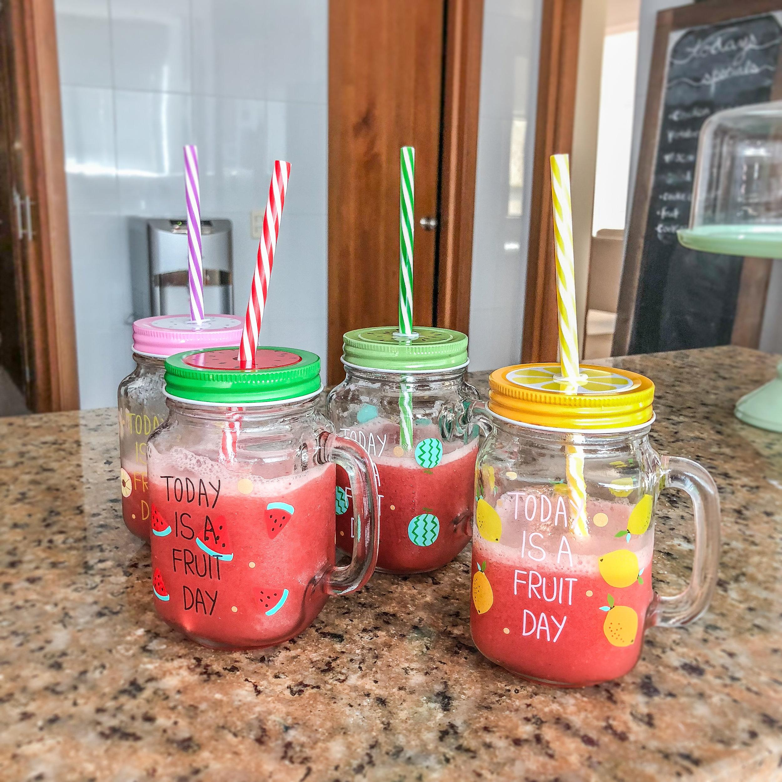 Finished jugo de fresa. Enjoy! -