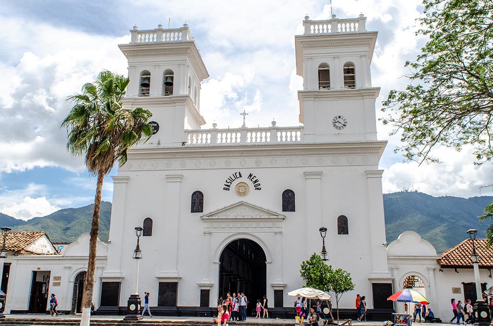 Basílica Menor de San Juan Bautista in Girón.