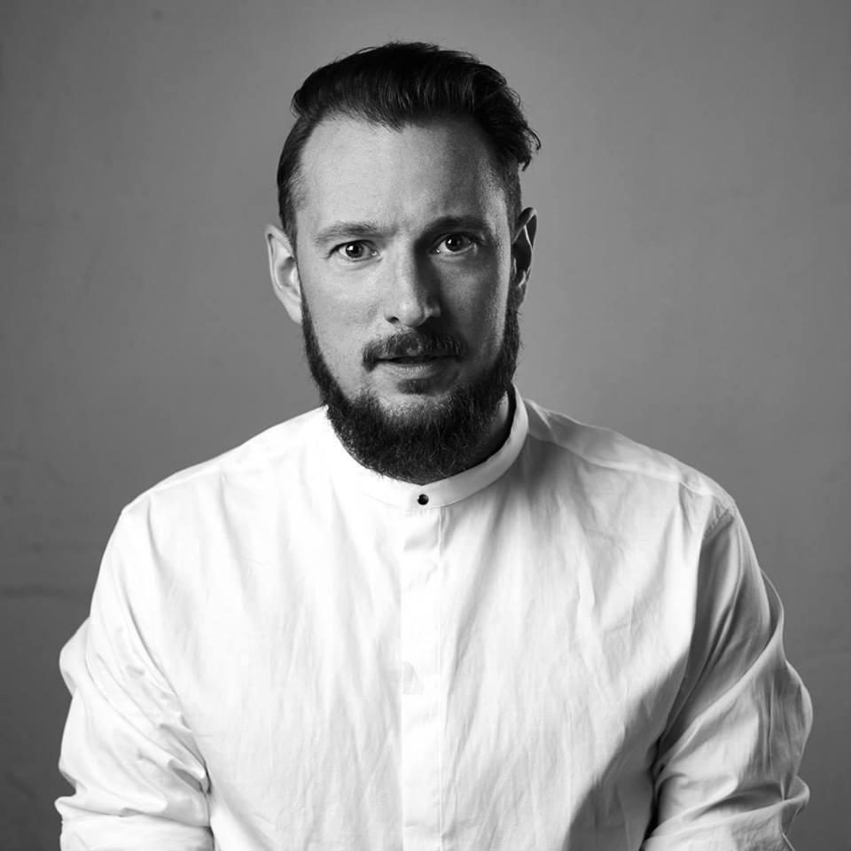 Jonas Hellström - Freelance Graphic Designer + Art Director
