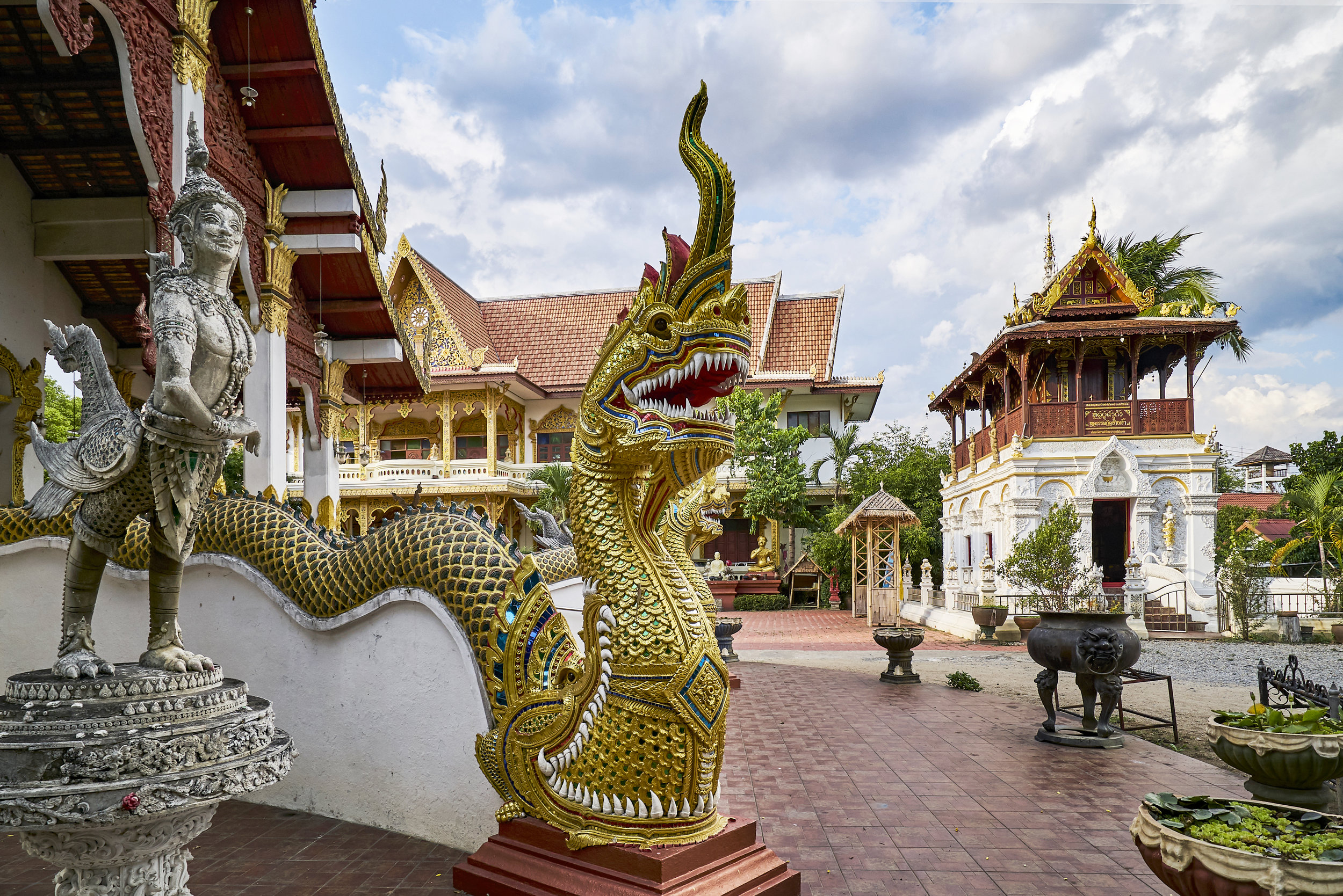 I'm purposefully not disclosing the location of this temple, so that when YOU co to Chiang Mai, you might walk or ride around and discover it on your own