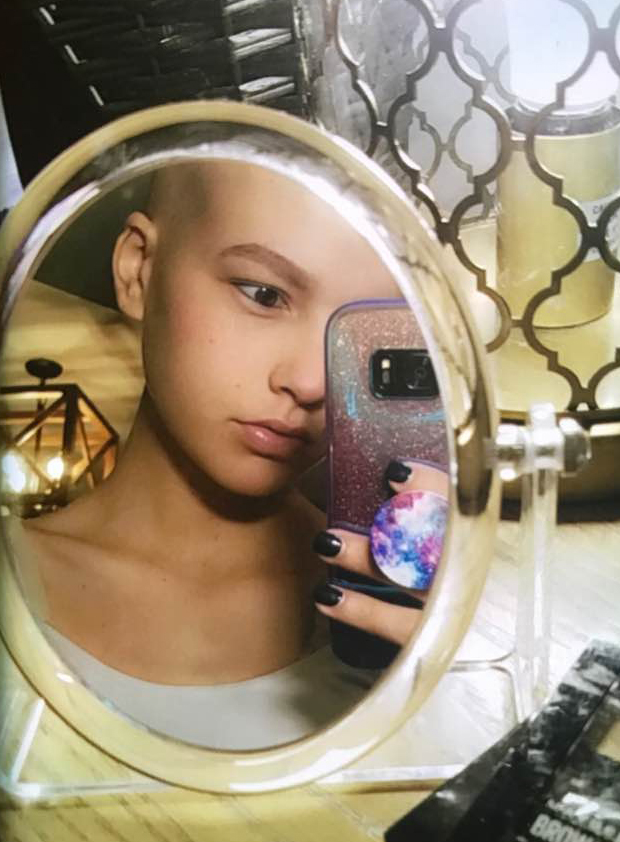 Maggie had taken this selfie in her room and used it as her instragram profile. She was very private about her illness so her feelings were rarely shared publicly.