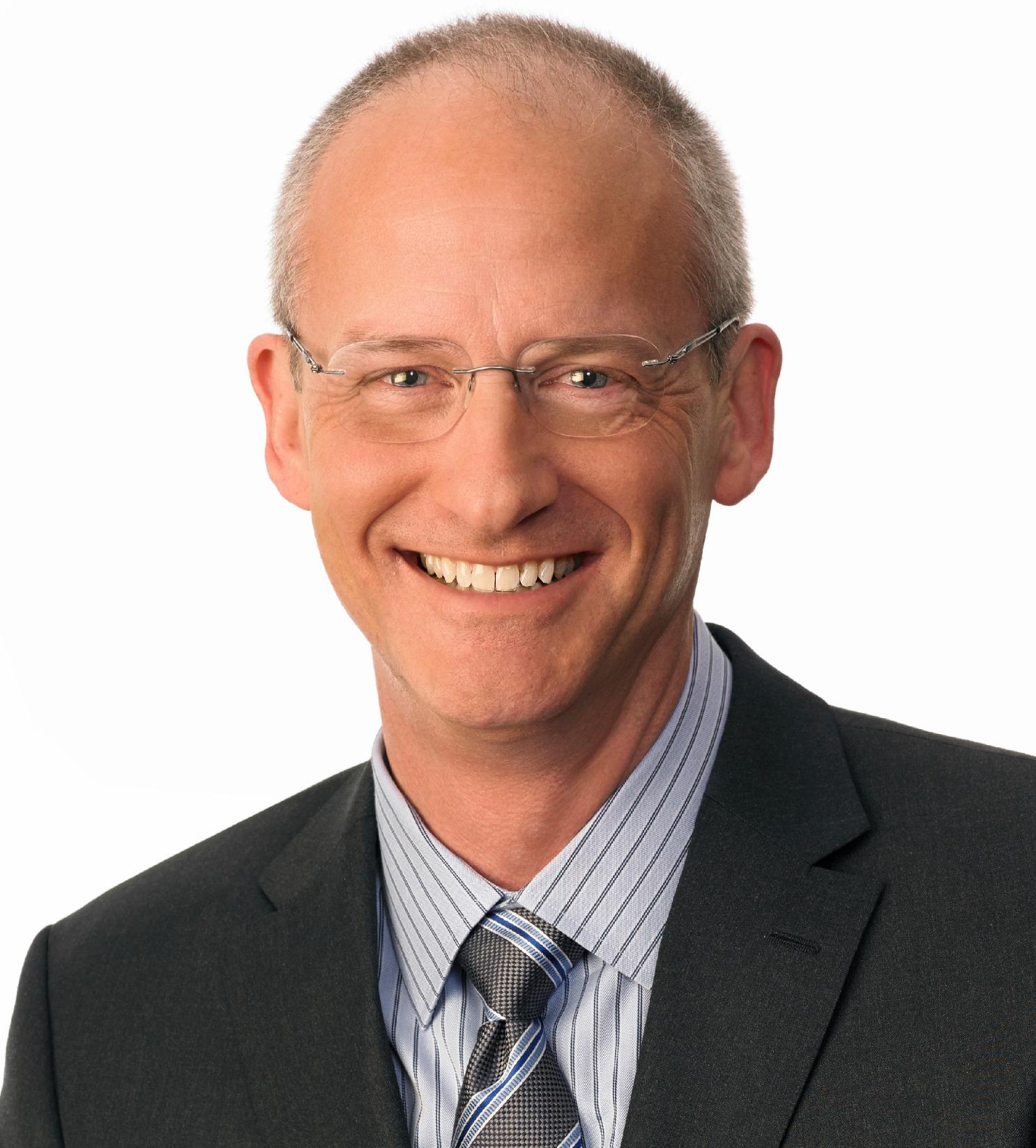 Mark Olson headshot 2015.jpg