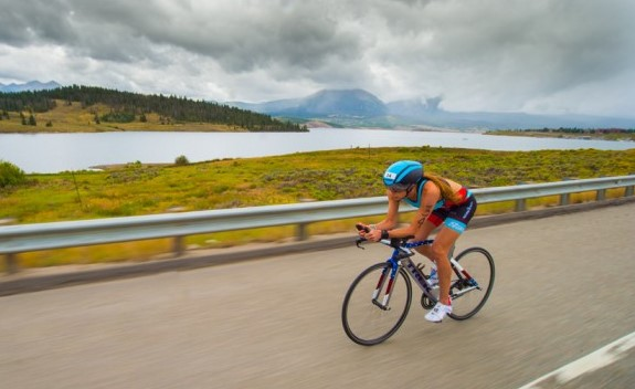Improve your triathlon training and performance with a customized nutrition plan.