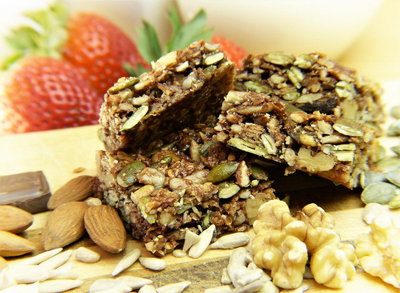 Energy Bars and Snacks for Busy Triathletes - get your free recipe ebook here!