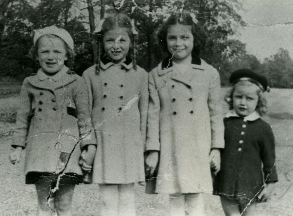 The Cradock Girls in Franklin Park, 1941. (left to right) Helen, Patsy, Mary, and Christine.