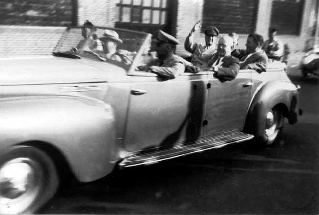 General Douglas MacArthur's motorcade in 1951 on Columbus Avenue approaching Whittier Street. Photograph by Edwina Schoen courtesy of Chuck Schoen.