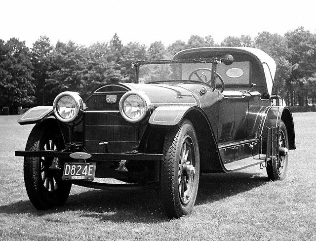 1920 Locomobile Model 48 Dual Cowl Phaeton by Farnham & Nelson. Courtesy http://vintagemotoring.blogspot.com