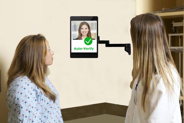 Verificación del paciente con reconocimiento facial