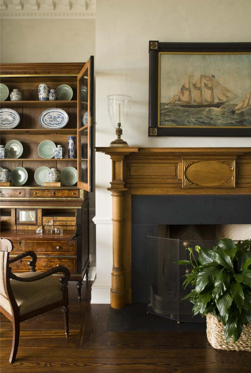 Carter-living-room-mantel.jpg