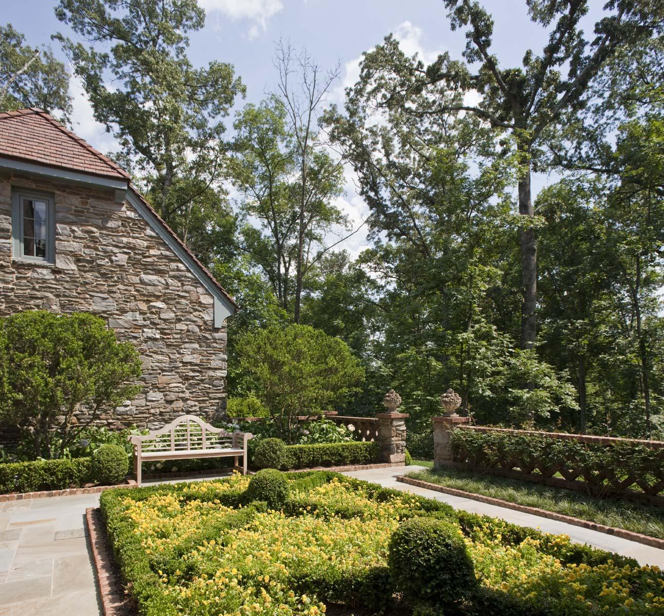 Graggamoore Estate Garden