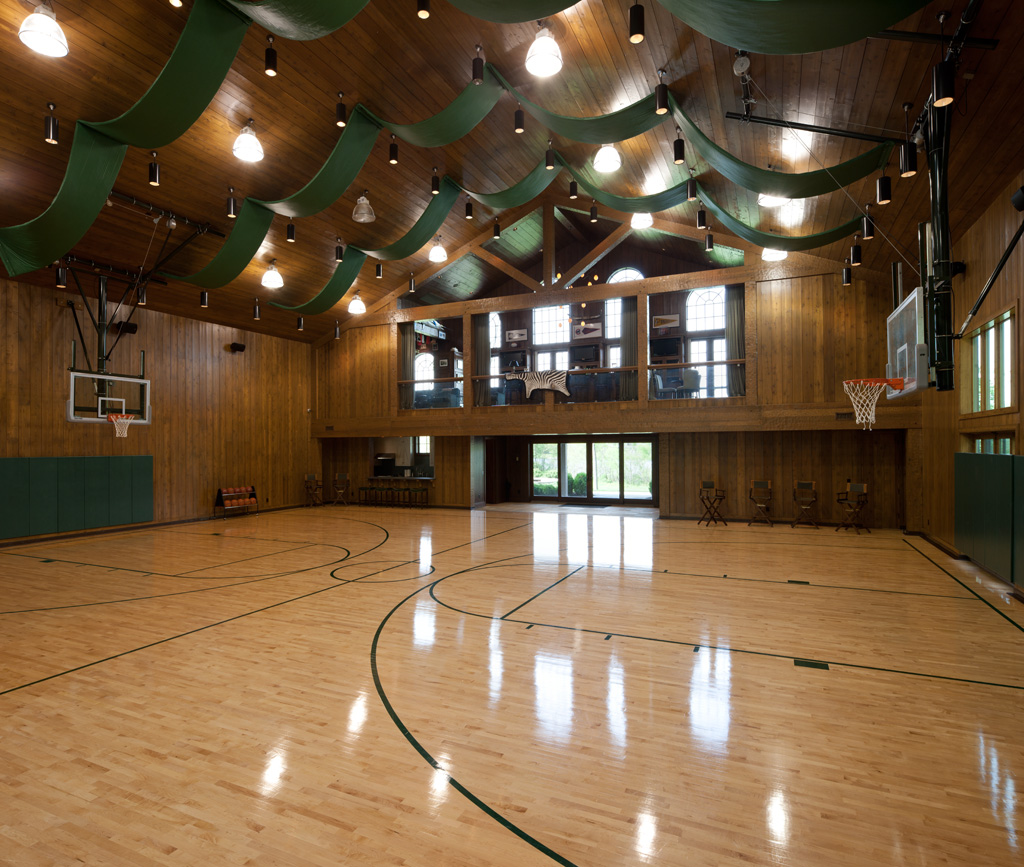 Standout Features Indoor Basketball Courts With Perfect Form