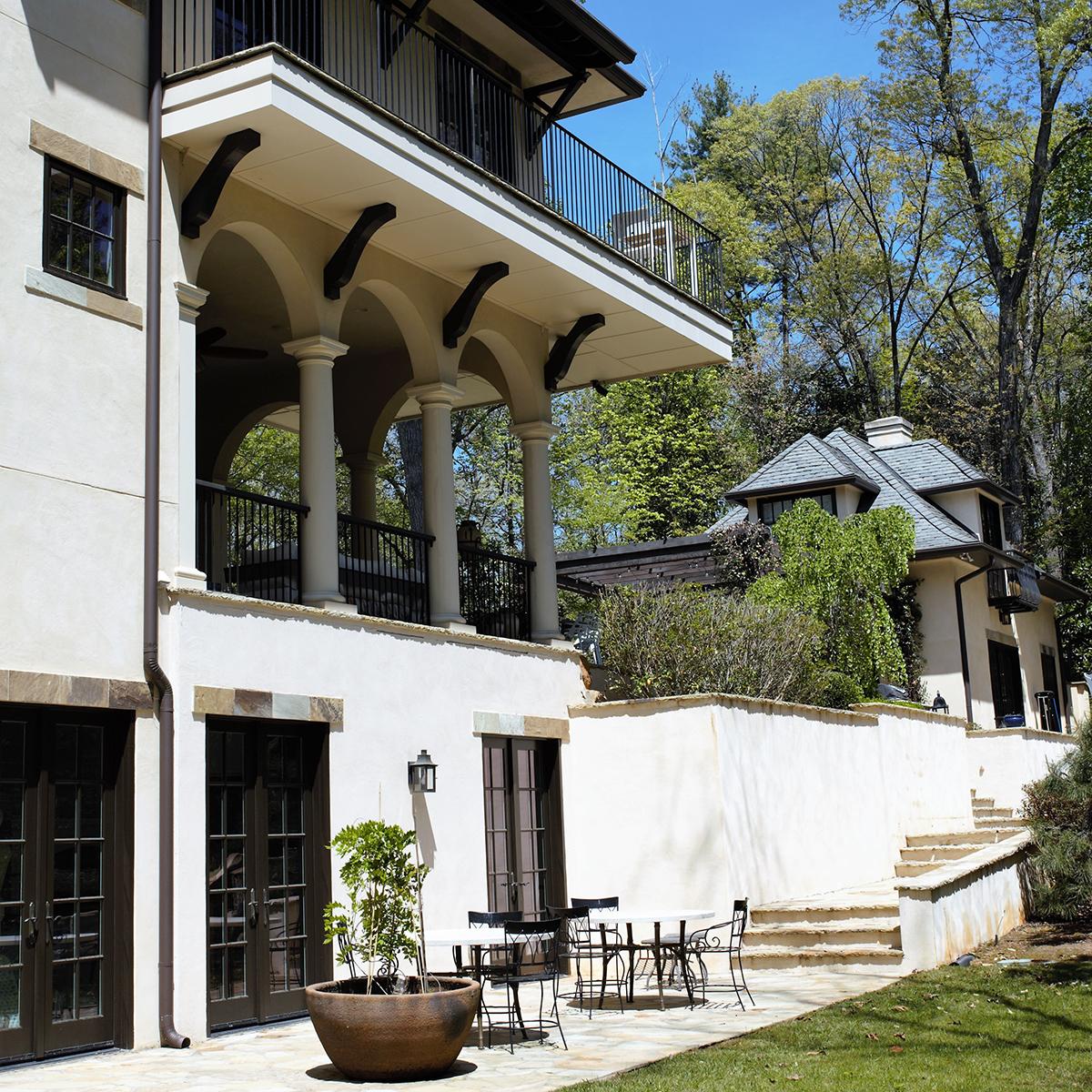 Terrace & Balcony, Wooded Hill Estate | William T. Baker