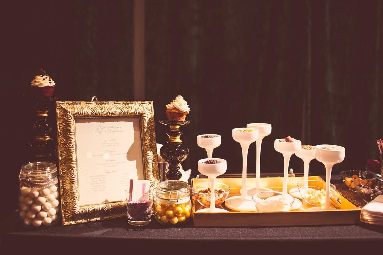 austinweddings_cupcakes_roamingtreats_weddings_cupcakebar_events 3
