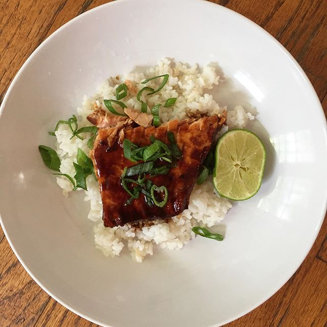 miso caramel-glazed salmon with vinegar sushi rice from @bonappetitmag 🍚haven't cooked for real in a LONG time and it felt good to get back to it. this salmon and rice dish was AWESOME and i can see it becoming a new standby.