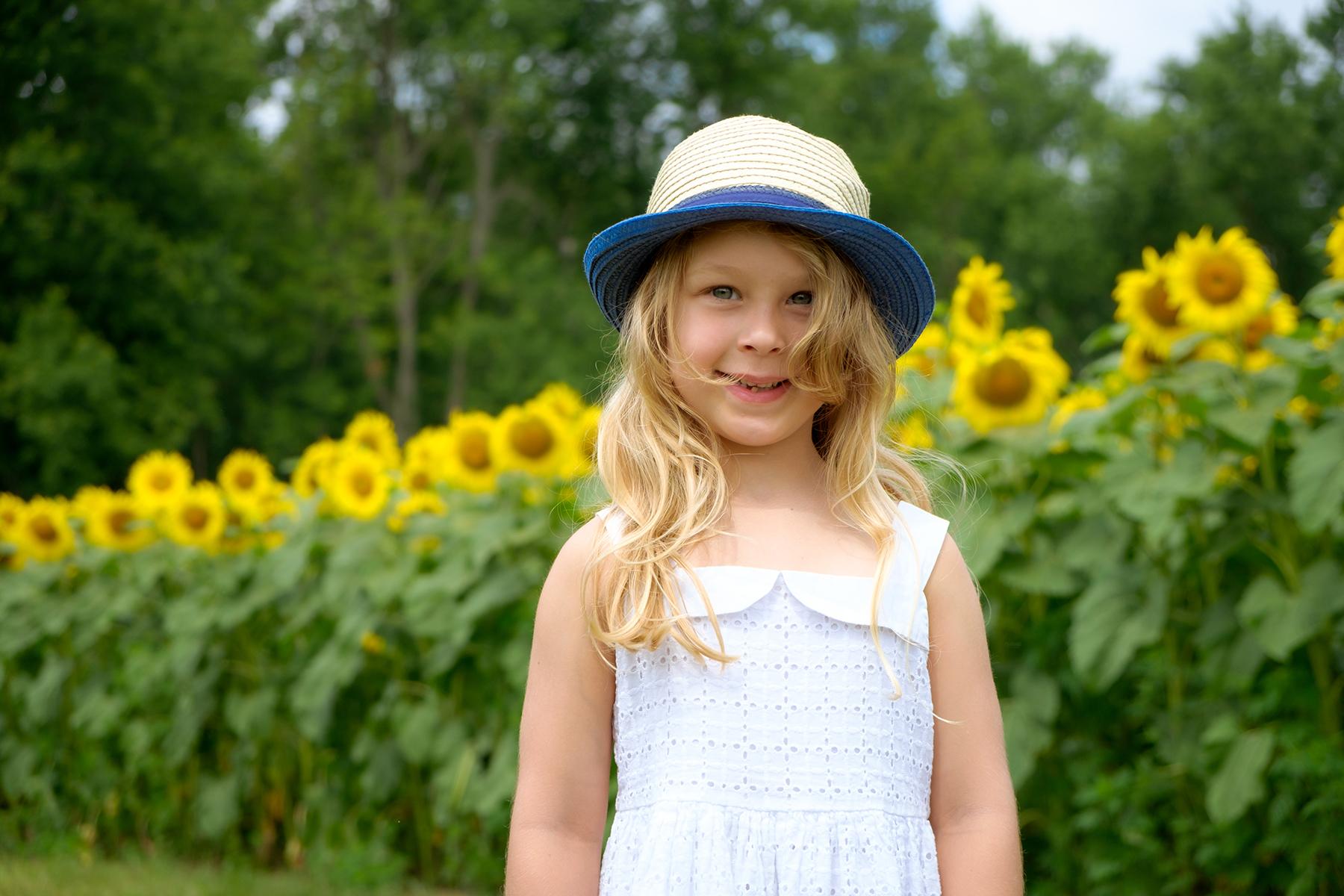 family-photography-kitchener-waterloo-sunflower-farm-4
