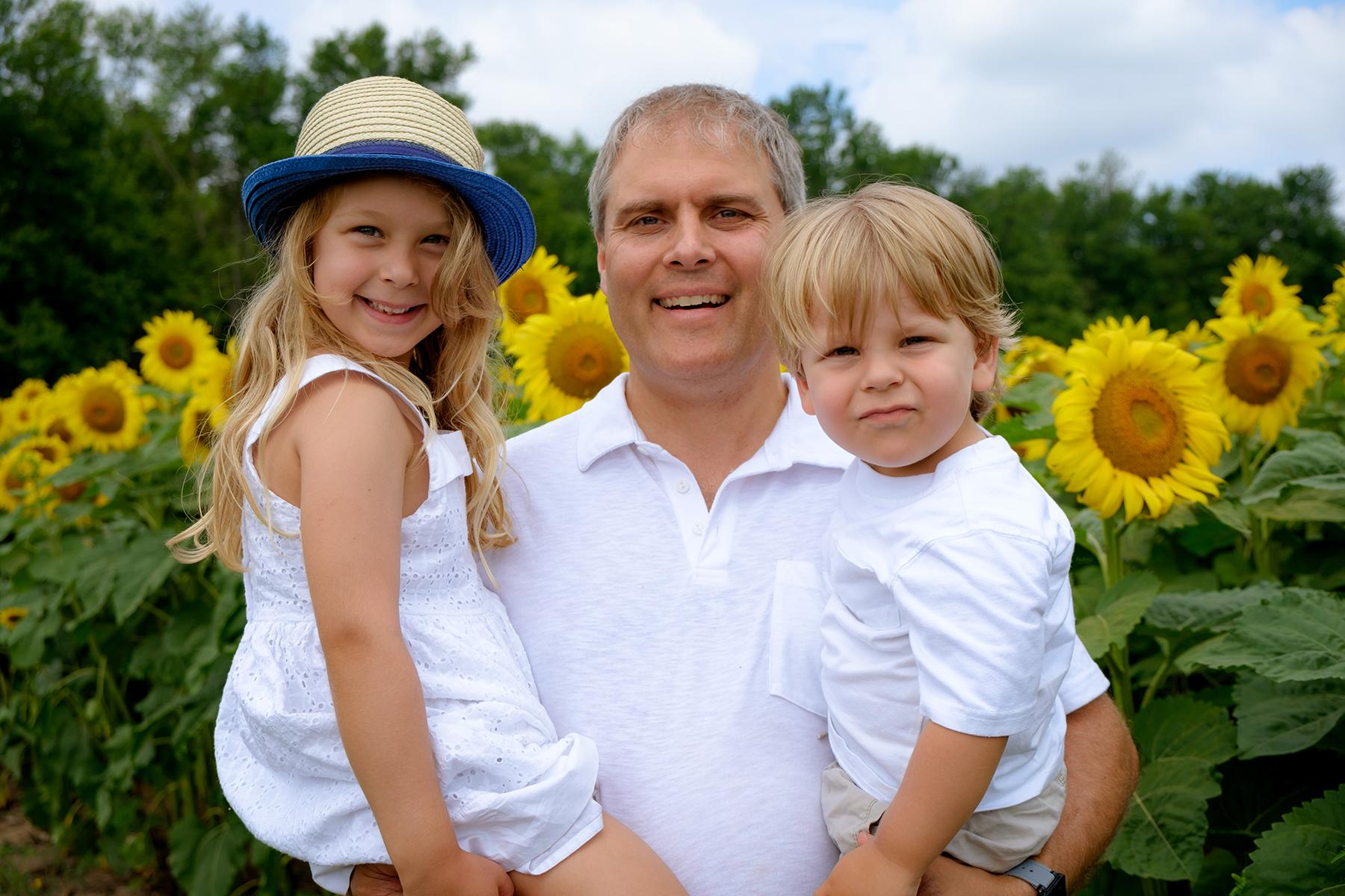 family-photography-kitchener-waterloo-sunflower-farm-7